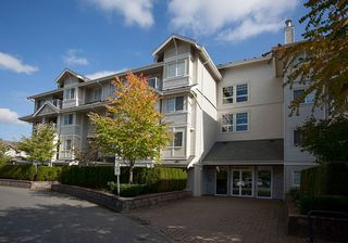 Photo 2: 104 19340 65 AVENUE in Surrey: Clayton Condo for sale (Cloverdale)  : MLS®# R2014619