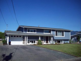 Photo 1: 8753 BUTCHART STREET in Chilliwack: Chilliwack E Young-Yale House for sale : MLS®# R2068310