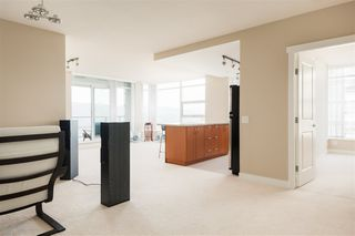 Photo 3: 903 9188 UNIVERSITY Crescent in Burnaby: Simon Fraser Univer. Condo for sale (Burnaby North)  : MLS®# R2392857