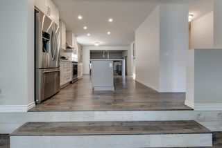 Photo 4: 20 LIVINGSTONE Crescent: St. Albert House for sale : MLS®# E4176915