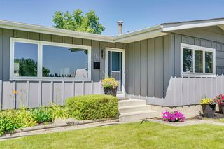 Photo 2: 712 MAPLETON Drive SE in Calgary: Maple Ridge Detached for sale : MLS®# A1018735