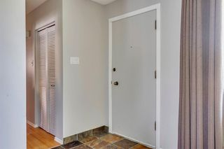 Photo 3: 712 MAPLETON Drive SE in Calgary: Maple Ridge Detached for sale : MLS®# A1018735