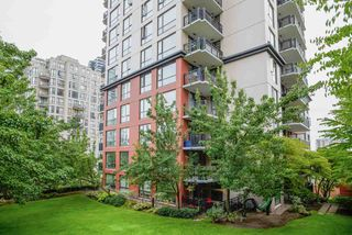 """Photo 18: 404 833 AGNES Street in New Westminster: Downtown NW Condo for sale in """"THE NEWS"""" : MLS®# R2487078"""