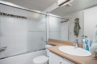 """Photo 14: 404 833 AGNES Street in New Westminster: Downtown NW Condo for sale in """"THE NEWS"""" : MLS®# R2487078"""