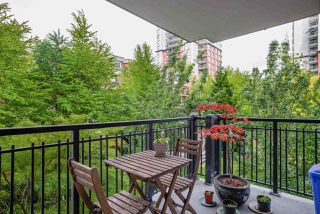 """Photo 17: 404 833 AGNES Street in New Westminster: Downtown NW Condo for sale in """"THE NEWS"""" : MLS®# R2487078"""