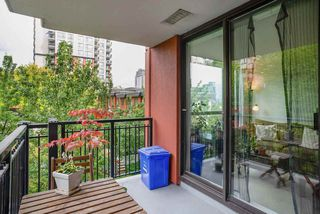 """Photo 15: 404 833 AGNES Street in New Westminster: Downtown NW Condo for sale in """"THE NEWS"""" : MLS®# R2487078"""