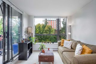 """Photo 10: 404 833 AGNES Street in New Westminster: Downtown NW Condo for sale in """"THE NEWS"""" : MLS®# R2487078"""