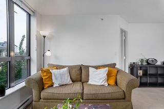 """Photo 8: 404 833 AGNES Street in New Westminster: Downtown NW Condo for sale in """"THE NEWS"""" : MLS®# R2487078"""