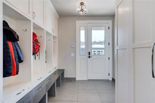 Photo 17: 2113 2 Avenue NW in Calgary: West Hillhurst Detached for sale : MLS®# A1039039