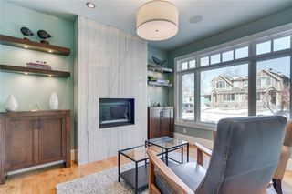 Photo 7: 2113 2 Avenue NW in Calgary: West Hillhurst Detached for sale : MLS®# A1039039