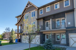 Main Photo: 2826 1 Street NW in Calgary: Tuxedo Park Row/Townhouse for sale : MLS®# A1040150