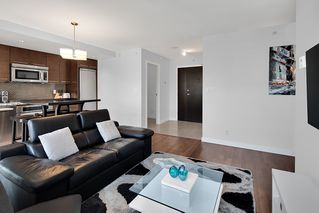 Photo 3: 1801 918 COOPERAGE WAY in Vancouver: Yaletown Condo for sale (Vancouver West)  : MLS®# R2502607