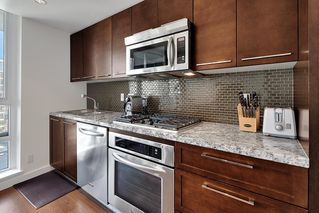 Photo 10: 1801 918 COOPERAGE WAY in Vancouver: Yaletown Condo for sale (Vancouver West)  : MLS®# R2502607