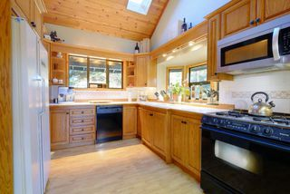 """Photo 11: 2310 CAYLEY Close in Whistler: Bayshores House for sale in """"BAYSHORES"""" : MLS®# R2525614"""