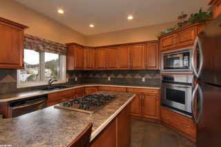 Photo 11: 2120 Chilcotin Crescent in Kelowna: Residential Detached for sale : MLS®# 10042998