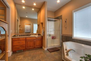 Photo 6: 2120 Chilcotin Crescent in Kelowna: Residential Detached for sale : MLS®# 10042998
