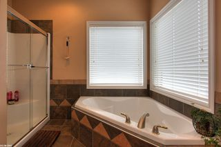 Photo 7: 2120 Chilcotin Crescent in Kelowna: Residential Detached for sale : MLS®# 10042998