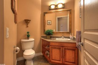 Photo 2: 2120 Chilcotin Crescent in Kelowna: Residential Detached for sale : MLS®# 10042998