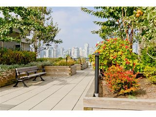 "Photo 9: 104 388 W 1ST Avenue in Vancouver: False Creek Condo for sale in ""THE EXCHANGE"" (Vancouver West)  : MLS®# V975965"