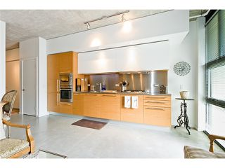 "Photo 8: 104 388 W 1ST Avenue in Vancouver: False Creek Condo for sale in ""THE EXCHANGE"" (Vancouver West)  : MLS®# V975965"