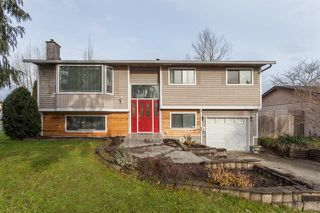Photo 1: 17207 61A AVE in Cloverdale: Cloverdale BC House for sale : MLS®# R2026581