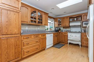 Photo 5: 17207 61A AVE in Cloverdale: Cloverdale BC House for sale : MLS®# R2026581