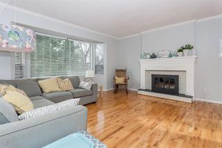 Photo 2: 17207 61A AVE in Cloverdale: Cloverdale BC House for sale : MLS®# R2026581