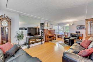 Photo 2: 969 BAYVIEW SQUARE in Coquitlam: Harbour Chines House for sale : MLS®# R2066738