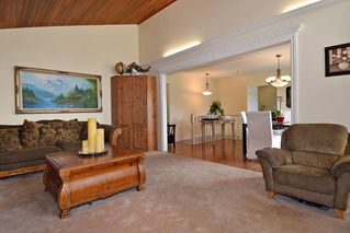 Photo 4: 2318 KIRKSTONE ROAD in North Vancouver: Lynn Valley House for sale : MLS®# R2117519