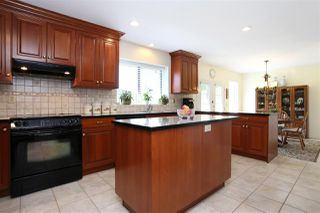 Photo 4: 15452 KILKEE PLACE in Surrey: Sullivan Station House for sale : MLS®# R2111353