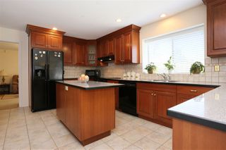 Photo 2: 15452 KILKEE PLACE in Surrey: Sullivan Station House for sale : MLS®# R2111353