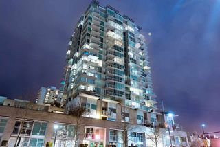 Photo 2: 1705 188 E ESPLANADE in North Vancouver: Lower Lonsdale Condo for sale : MLS®# R2148566