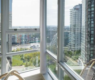 Photo 4: 1806 1438 RICHARDS STREET in Vancouver: Yaletown Condo for sale (Vancouver West)  : MLS®# R2265131
