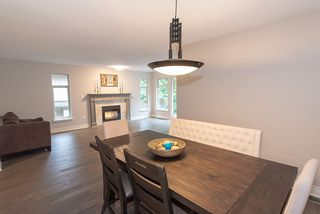 Photo 3: 1178 STRATHAVEN DRIVE in North Vancouver: Northlands Townhouse for sale : MLS®# R2278373