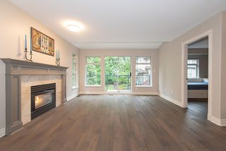 Photo 2: 1178 STRATHAVEN DRIVE in North Vancouver: Northlands Townhouse for sale : MLS®# R2278373