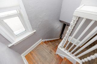 Photo 2: 2 360 Redwood Avenue in Winnipeg: House Duplex for rent