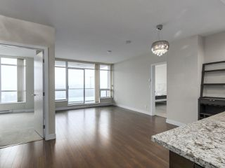 Photo 4: 2004 2077 Rosser Ave in Burnaby: Brentwood Park Condo for sale (Burnaby North)  : MLS®# R2343605