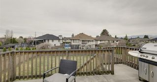Photo 4: 12035 205 St in Maple RIdge: Northwest Maple Ridge House for sale (Maple Ridge)  : MLS®# R2352685
