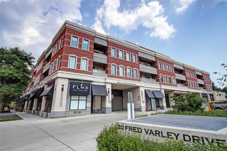 Photo 1: 213 20 Fred Varley Drive in Markham: Unionville Condo for sale : MLS®# N4532873