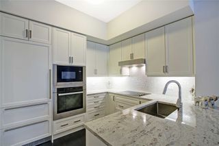 Photo 13: 213 20 Fred Varley Drive in Markham: Unionville Condo for sale : MLS®# N4532873