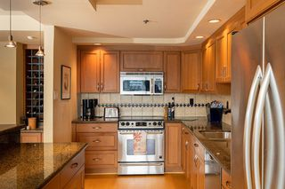 """Photo 7: 402 1012 BEACH Avenue in Vancouver: Yaletown Condo for sale in """"1000 BEACH"""" (Vancouver West)  : MLS®# R2396388"""