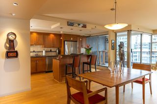"""Photo 5: 402 1012 BEACH Avenue in Vancouver: Yaletown Condo for sale in """"1000 BEACH"""" (Vancouver West)  : MLS®# R2396388"""
