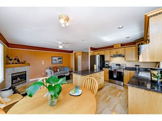 """Photo 7: 11731 238A Street in Maple Ridge: Cottonwood MR House for sale in """"RICHWOOD PARK"""" : MLS®# R2398829"""