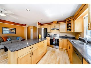 """Photo 8: 11731 238A Street in Maple Ridge: Cottonwood MR House for sale in """"RICHWOOD PARK"""" : MLS®# R2398829"""