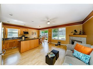 """Photo 6: 11731 238A Street in Maple Ridge: Cottonwood MR House for sale in """"RICHWOOD PARK"""" : MLS®# R2398829"""