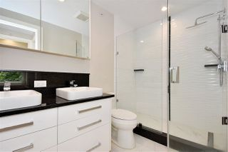 "Photo 15: 2335 W 10TH Avenue in Vancouver: Kitsilano Townhouse for sale in ""PARK VIEW"" (Vancouver West)  : MLS®# R2428714"