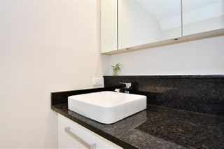 "Photo 12: 2335 W 10TH Avenue in Vancouver: Kitsilano Townhouse for sale in ""PARK VIEW"" (Vancouver West)  : MLS®# R2428714"