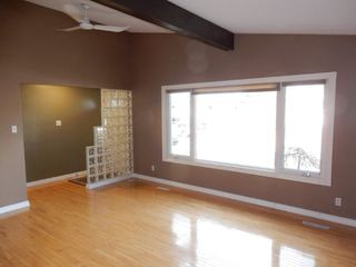 Photo 3: 9224 52 Street in Edmonton: Zone 18 House for sale : MLS®# E4194752