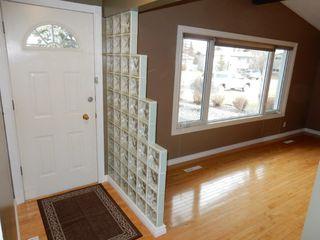 Photo 2: 9224 52 Street in Edmonton: Zone 18 House for sale : MLS®# E4194752