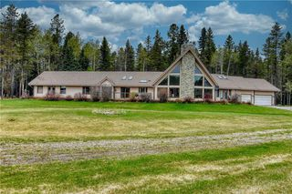 Photo 2: 53131 GRAND VALLEY Road in Rural Rocky View County: Rural Rocky View MD Detached for sale : MLS®# C4299249